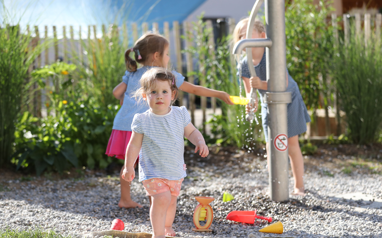 freiraum-schmid-gartenbau-projekt-kindergarten-kaufbeuren-09